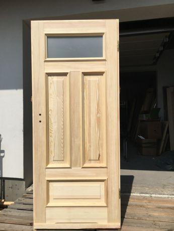 Drzwi drewniane wewnętrzne listewka retro sosnowe