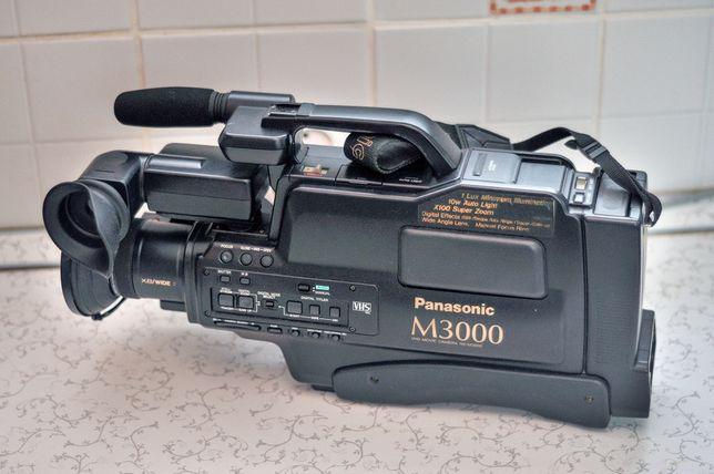 Відеокамера панасонік М3000