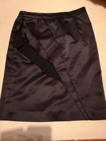Spódnica Mohito czarna, satyna, rz. 38