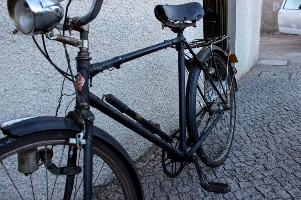 Bicicleta Pasteleira de 1967 Vila Boa De Quires E Maureles - imagem 1