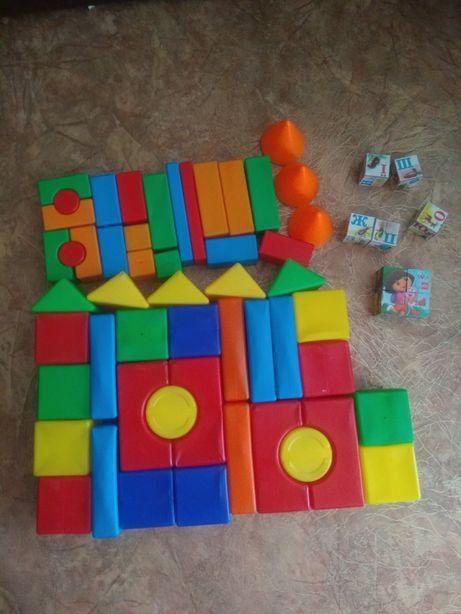 Кубики пластиковые 4 набора