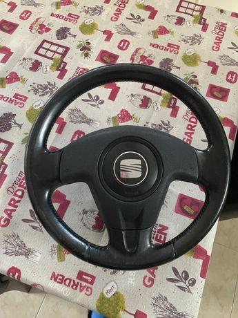 Volante Seat Ibiza FR Leon aplicavel em golf 4 alterando o simbolo