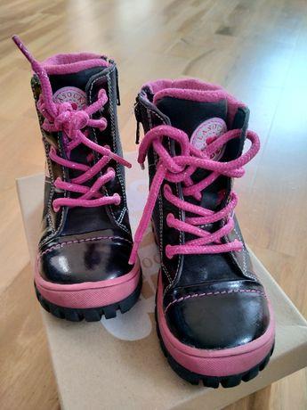 buty dla dziewczynki rozm. 23 Lasocki skórzane lakierowane