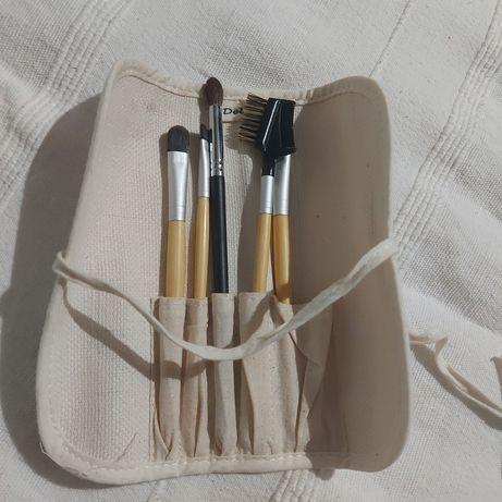 Zestaw pędzli do makijażu bambusowe