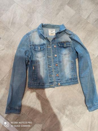 Продам джинсову курточку