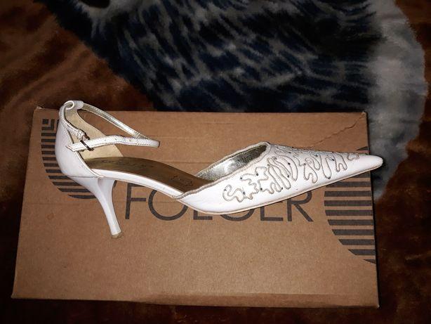 Продам туфельки 39 кож