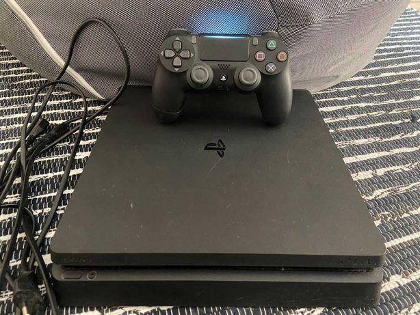 Sony Playstation 4 usado com 2 Controlador