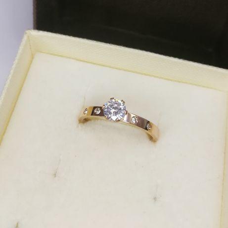Nowy złoty pierścionek z cyrkoniami rozmiar 10 różowe złoto Rose Gold
