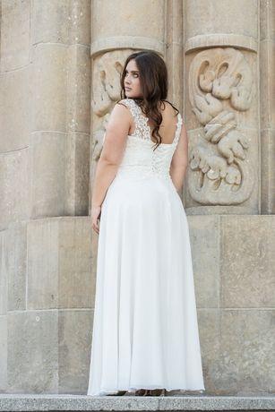Zwiewna Suknia ślubna plus size 42/44/46