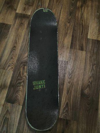 Продам скейт комлит