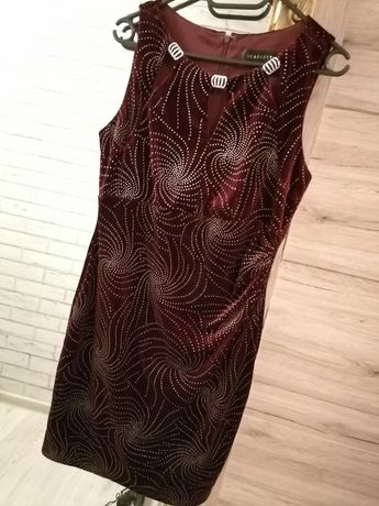 Bordowa sukienka elegancka