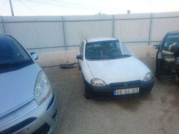 Opel Corsa B 1.2 para peças.