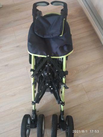Продаю детскую коляску (сидячую)