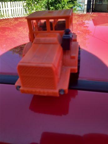 Кировец 1:43 трактор к 700