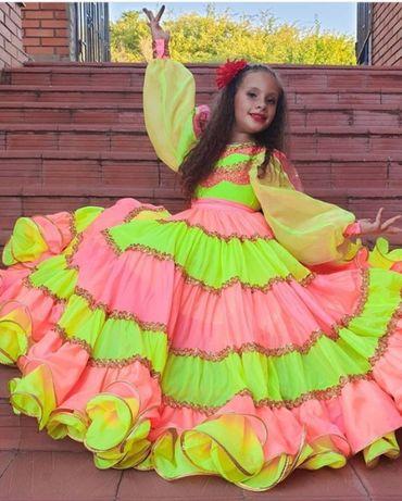 пошив танцевальных и цыганских костюмов для детей и взрослых