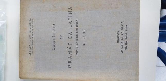 Compêndio da gramática latina da livraria Sá da costa. 1960