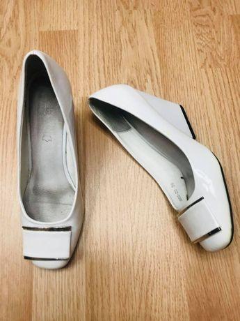 Свадебный аксессуар туфельки белые кожа лак Р38/39 ст.25см Италия