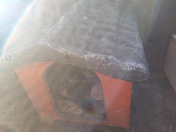 Casinha para ção em cimento.