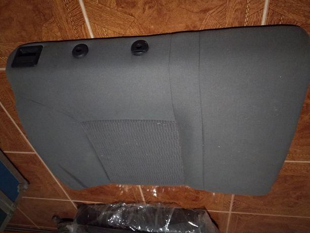 Bancos e cintos Seat Ibiza modelo > Agosto 2002