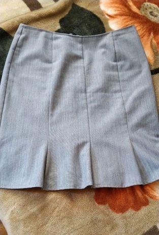 Серая юбка в идеальном состоянии р.44