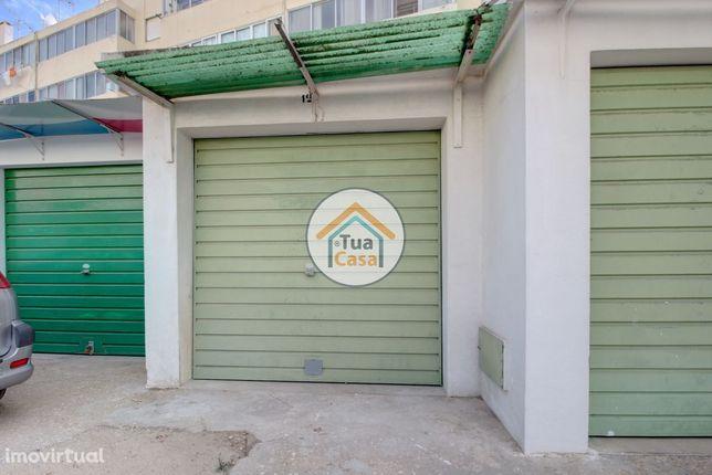 Garagem BOX em Zona privilegiada em Olhão