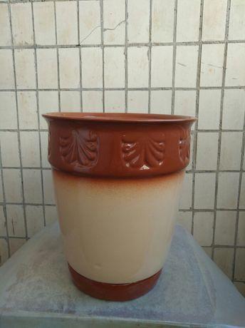 Керамический горшок для растений.Большой