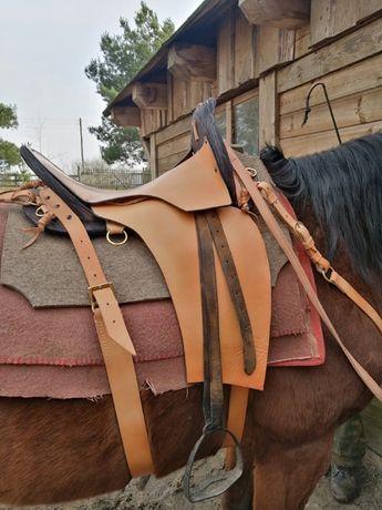 Rymarstwo - ogłowia, siodła, rzędy końskie.