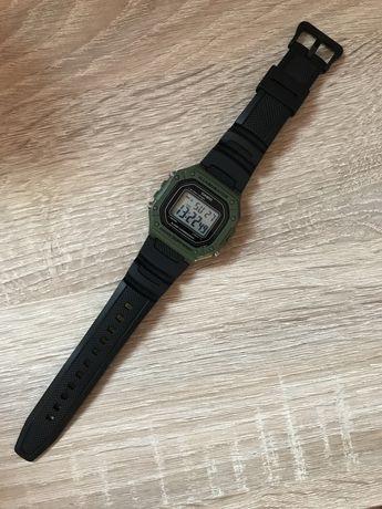 Casio illuminator W-218H-3AVEF retro zegarek męski zielony moro