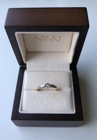 Pierścionek APART z diamentem 0,06ct