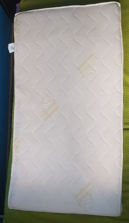 Materac lateksowy antyalergiczny dla dziecka