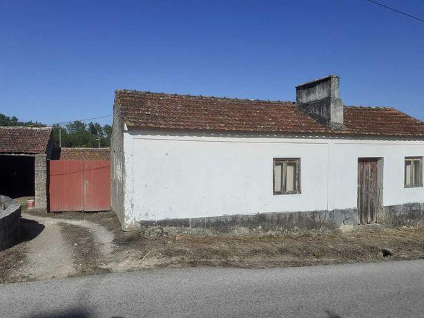 Casa para Restaurar com terreno de 2.450m2