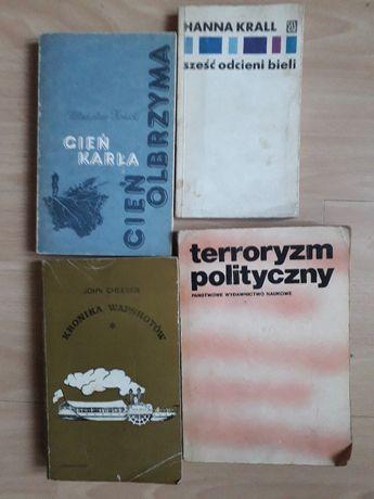"""Red. J. Muszyński, """"Terroryzm polityczny""""."""