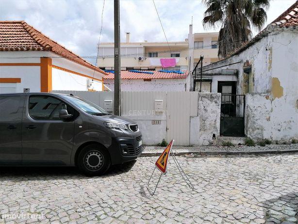 Moradia em fase de construção - Costa da Caparica