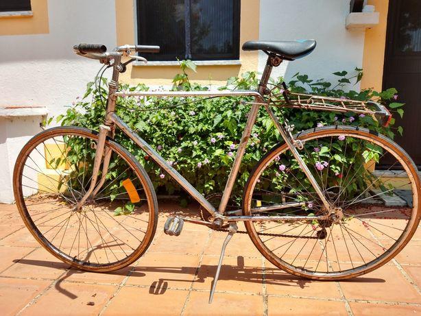 Bicicleta antiga / ciclismo