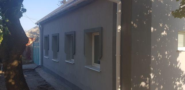 Ремонт и утепление стен фасада.