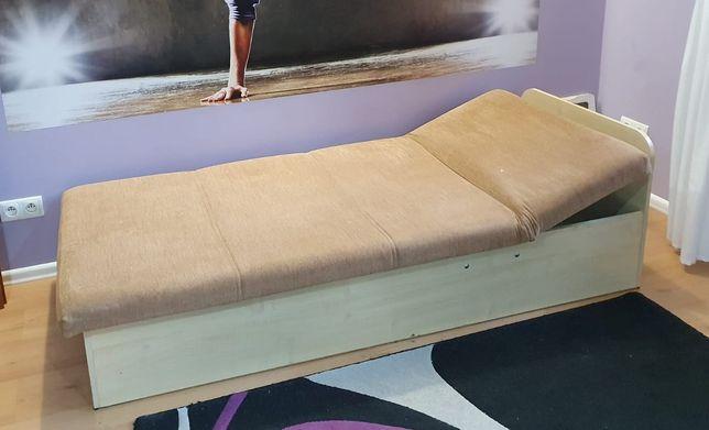 Łóżko jednoosobowe z pojemnikiem na pościel