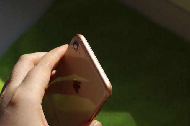 айфон 8 на 64гб (телефон/смартфон/айфон/apple/купити/купить/бу)