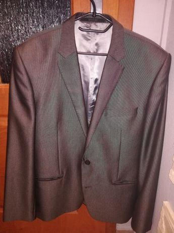 Garnitur męski plus gratis krawat