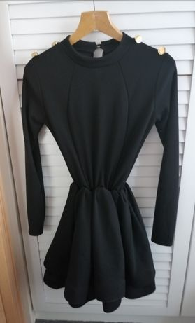 Czarna sukienka rozkloszowana Magmac