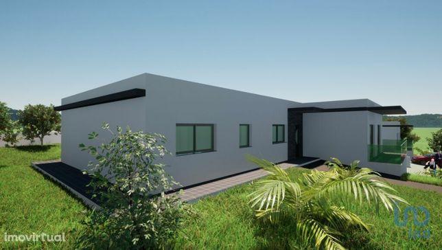 Moradia - 217 m² - T4