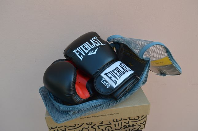 Боксерські перчатки Everlast