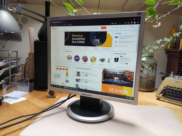 Monitor SAMSUNG SyncMaster 940N 1280 x 1024 jak nowy 19' cali