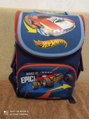 Рюкзак школьный  kite hot wheels