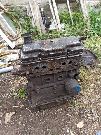 Продам мотор на запчасти сенс1300