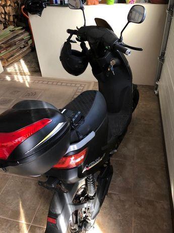 Vendo moto eléctrica muito pouca usada. preço de fim de semana.