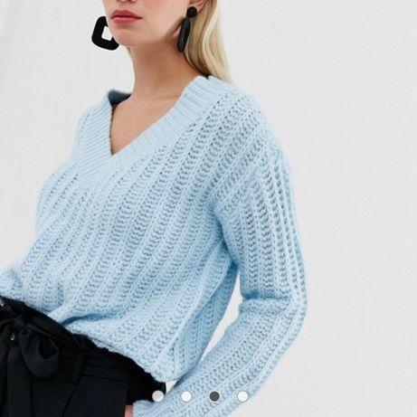 Теплый стильный свитер !