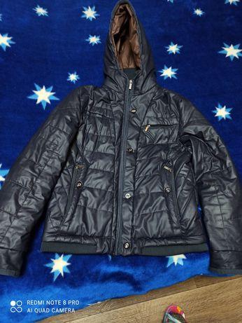 Продам подростковую куртку(демисезонная)