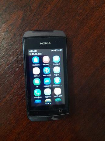 Продам сенсорный телефон Nokia 305