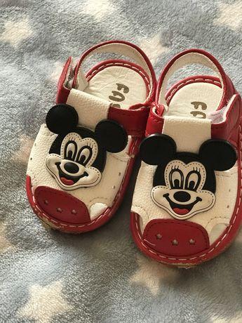 Взуття для малюків