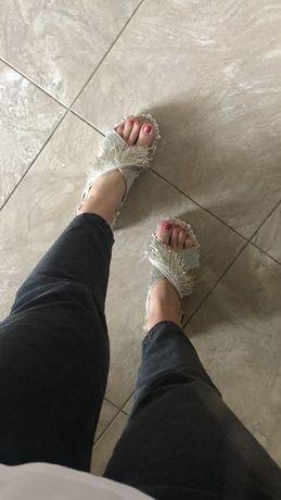Обувь , крутые босоножки